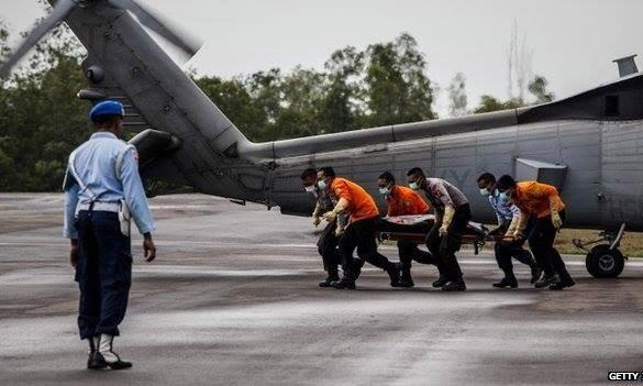 34 thi thể đã được tìm thấy, nhưng phần lớn nạn nhân được cho là vẫn bị mắc kẹt trong thân máy bay. Ảnh: Getty Images.