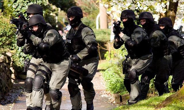 Nhiệm vụ của các đội SWAT bao gồm: Chống tội phạm có vũ trang, giải cứu con tin, chống khủng bố, đặc biệt xâm nhập các địa điểm nguy hiểm.