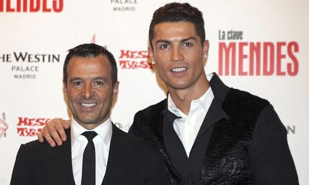 Ronaldo và người đại diện