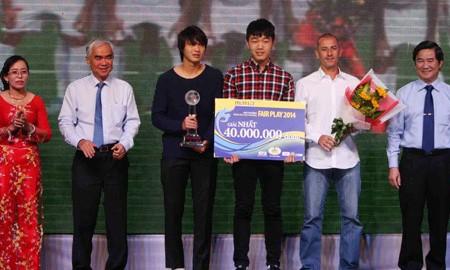 BẢN TIN Thể thao sáng: U19 Việt Nam giành giải Fair-play
