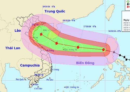 Bão Sarika hình thành ngày 13/7, khi vào biển Đông mạnh cấp 14. Ảnh: NCHMF.