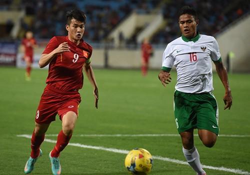 Indonesi đánh giá cao Công Vinh, chân sút đã ghi hai bàn tại vòng bảng AFF Suzuki Cup 2016. Ảnh: Giang Huy
