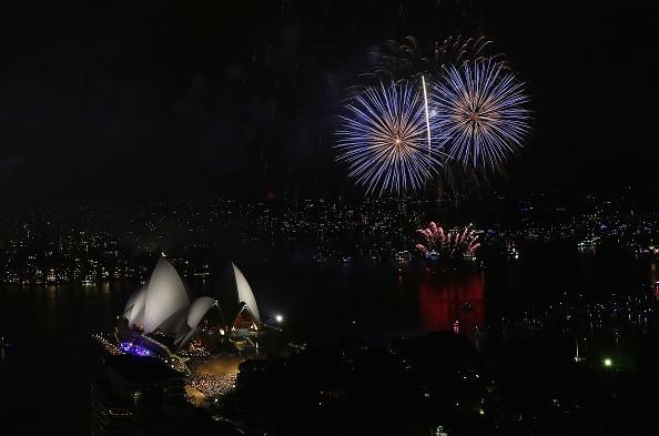 Thành phố Sydney, Australia vừa được chứng kiến màn pháo hoa rực rỡ trong đêm 31/12, trước thời khắc chuyển giao sang năm mới 2017.