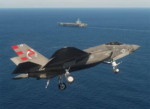 Biến thể F-35C dành cho Hải quân Mỹ.
