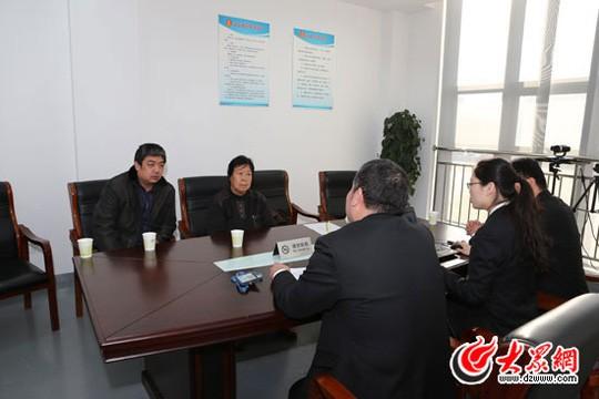 Bà Trương Hoán Chi – mẹ của Nhiếp Thụ Bân – đã xuất hiện tại tòa hôm 22-12 Ảnh: DZWWW.COM