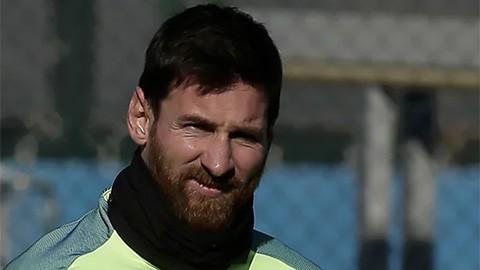 Barca sa thải một quan chức vì xúc phạm Messi