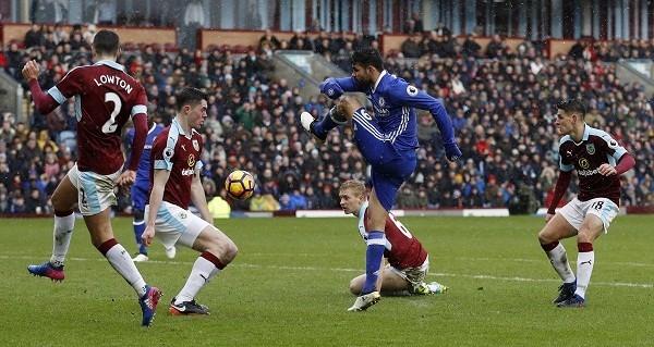 Chelsea bị Burnley cầm chân.