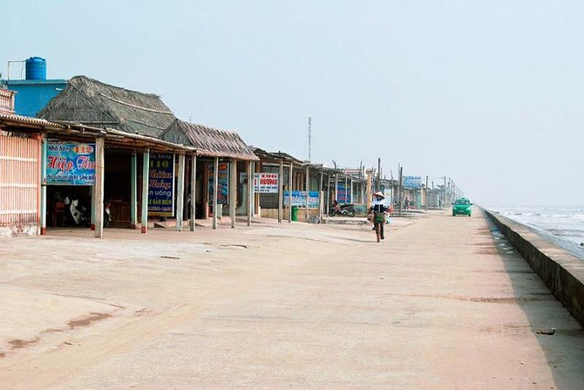 Khu du lịch bãi biển Quất Lâm, thị trấn Quất Lâm, huyện Giao Thủy được lắp đặt 8 camera