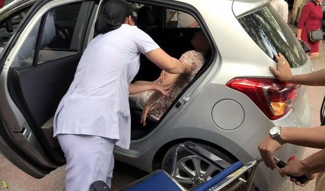 Sản phụ Nguyễn Phương Mai sinh con ngay trên xe ô tô.