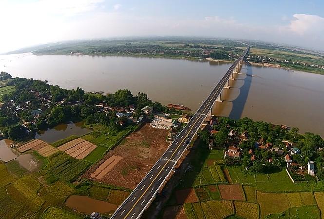 Hà Nội yêu cầu việc nghiên cứu quy hoạch hai bên sông Hồng theo hướng tạo lập đô thị hiện đại