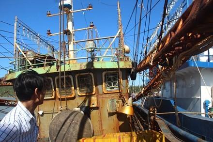 Khoảng 13/18 tàu cá vỏ thép của ngư dân Bình Định sẽ được sửa chữa, ra khơi trong tháng 9 này.