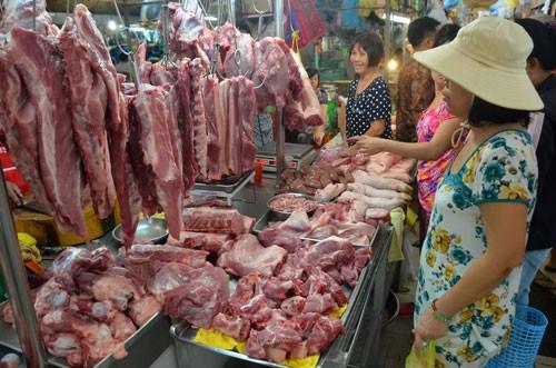 Tỷ lệ mẫu thịt nhiễm vi sinh vật vẫn rất cao do khâu giết mổ, bảo quản không đảm bảo