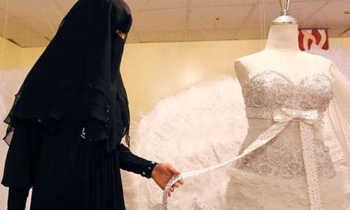 Áo bắt giữ hai 'cô dâu thánh chiến'