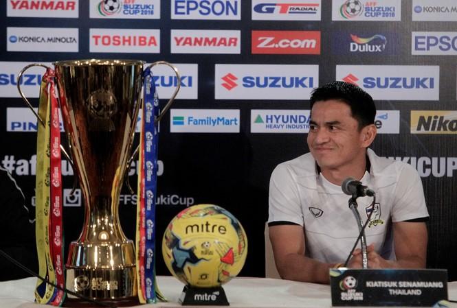 HLV Kiatisuk muốn Thái Lan lần thứ 5 vô địch AFF Cup.