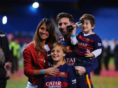 Messi hạnh phúc bên gia đình