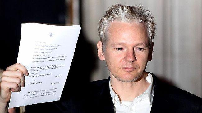 Ông trùm WikiLeaks Julian Asange bị ngắt mạng internet sau hàng loạt tiết lộ về ứng viên Tổng thống Mỹ Hilllary Clinton