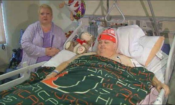 Roger Logan sau ca phẫu thuật lấy khối u khổng lồ ra khỏi bụng