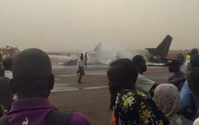 Hiện trường vụ rơi máy bay ở Nam Sudan