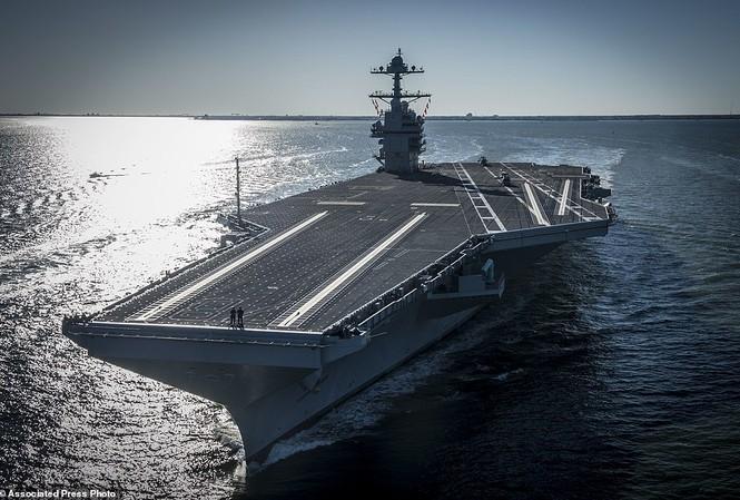 Tàu sân bay đắt nhất lịch sử Hải quân Mỹ  USS Gerald R.Ford rẽ sóng ra khơi lần đầu tiên hôm 9/4.