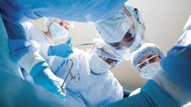 Phẫu thuật là phương pháp phổ biến trong điều trị ung thư tuyến giáp (Ảnh minh họa).