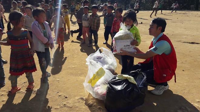 -Trường Tiểu học Nậm Cắn (Kỳ Sơn, Nghệ An), nơi còn nhiều khó khăn, thiếu thốn.