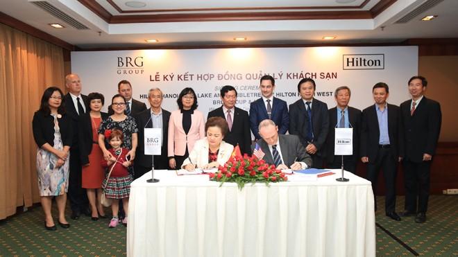Công ty Cổ phần Khách sạn Thắng Lợi ký kết hợp tác với Hilton Worldwide