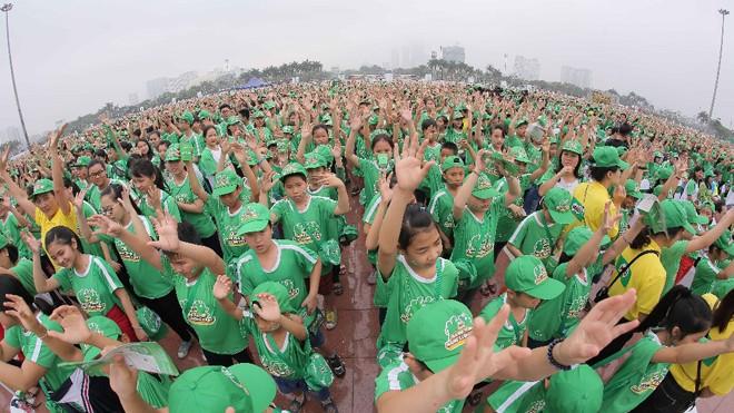 """Đây là lần thứ 2 chương trình được tổ chức ở Hà Nội. Ông Ngũ Duy Anh, Vụ trưởng Vụ Công tác HS-SV, Bộ Giáo dục và Đào tạo, chia sẻ: """"Mục tiêu của chương trình là hỗ trợ các địa phương triển khai các hoạt động phong trào thể dục thể thao, cung cấp trang th"""