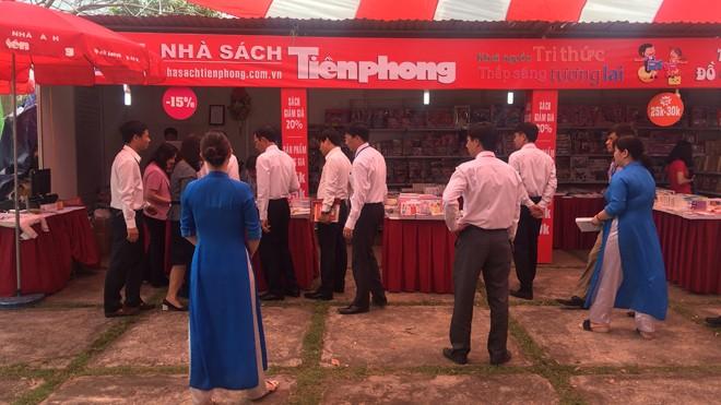Nhà sách Tiền Phong khuyến mãi lớn tại 'Ngày Sách Việt Nam' ở tỉnh Bắc Ninh