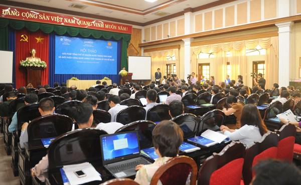"""Hội thảo """"Giải pháp Tổng thể về nguồn nước trong sinh hoạt và giới thiệu công nghệ Lining Thép không gỉ cho bể nước"""" tại UBND tỉnh Hà Nam."""