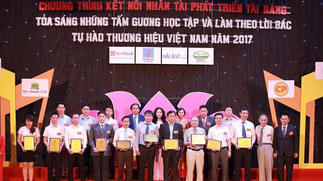 SCB tự hào là 'Đơn vị phát triển vững mạnh thời kỳ hội nhập năm 2017'