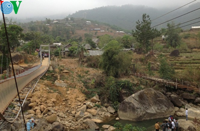 Cây cầu nơi xảy ra vụ việc đáng tiếc khiến nhiều người thiệt mạng.