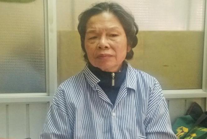 Bà Hiền, mẹ nạn nhân trong vụ Cát Tường suy sụp. Ảnh: Thanh Hà.