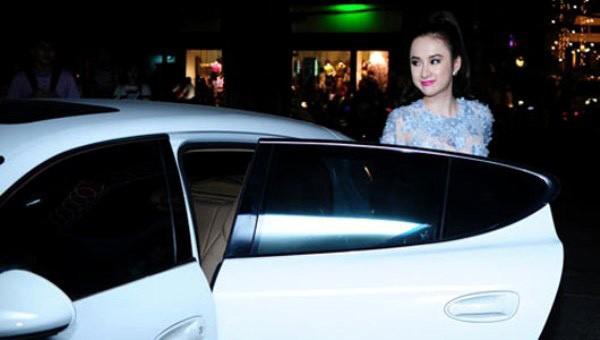 Chiếc Porsche Panamera phiên bản S từng được cho là của Angela Phương Trinh