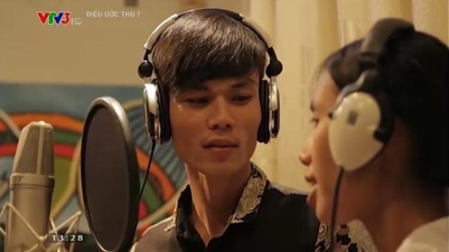 Vợ chồng Nguyễn Như Đào - Nguyễn Nhật Thanh thu âm CD ca nhạc.