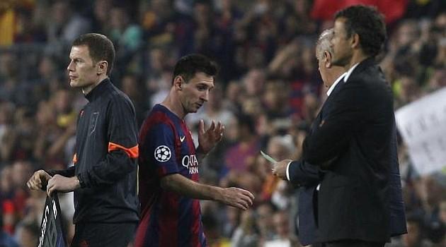 Messi cũng sợ phải rời Barcelona.
