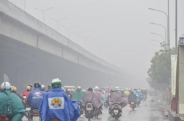 Sương mù khiến tầm nhìn của người tham gia giao thông bị hạn chế.