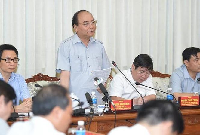 Thủ tướng Nguyễn Xuân Phúc tại cuộc làm việc với UBND TP.HCM.
