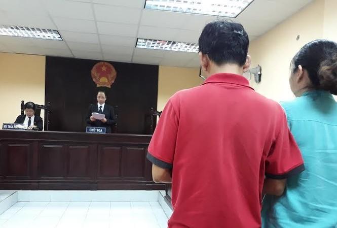 Cha mẹ cháu Q. đã bị tòa bác ghi nhận quyền khởi kiện chi phí y học. Ảnh: Tân Châu.