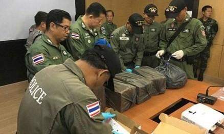Radio Thế giới 24h: Thái Lan bắt giữ kẻ tình nghi âm mưu đánh bom xe