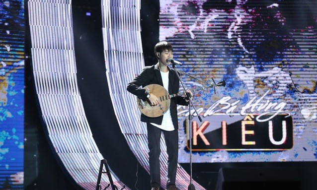 Bài hát hay nhất: Cao Bá Hưng vào chung kết với số điểm tuyệt đối