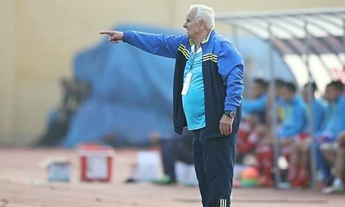 HLV Ljupko Petrovic giành chiến thắng trong trận đấu ra mắt V-League. Ảnh: Lâm Thoả.