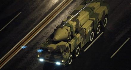 Radio Thế giới 24h: Trung Quốc khoe tên lửa đạn đạo Dongfeng-16
