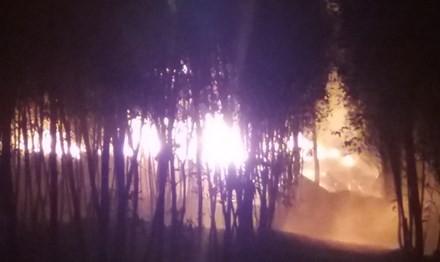 Đám cháy lớn tại cơ sở tái chế dầu