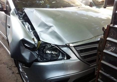 Chiếc ôtô gây tai nạn. Ảnh: VNE