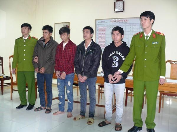 Các nghi can có lệnh truy nã bị bắt giữ.