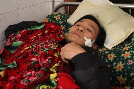 Anh Lựu đang được điều trị tại Bệnh viện ĐK huyện Hương Khê