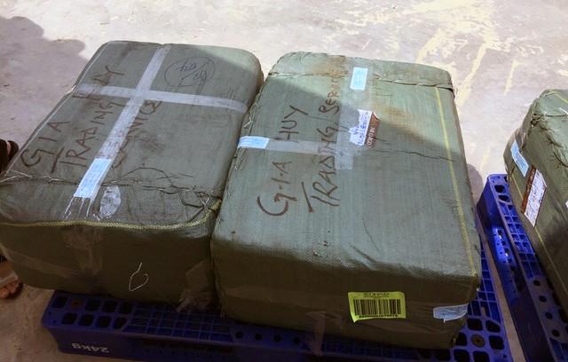 Số ngà nghi là ngà voi được đóng gói, vận chuyển qua đường hàng không. Ảnh: cơ quan chức năng cung cấp