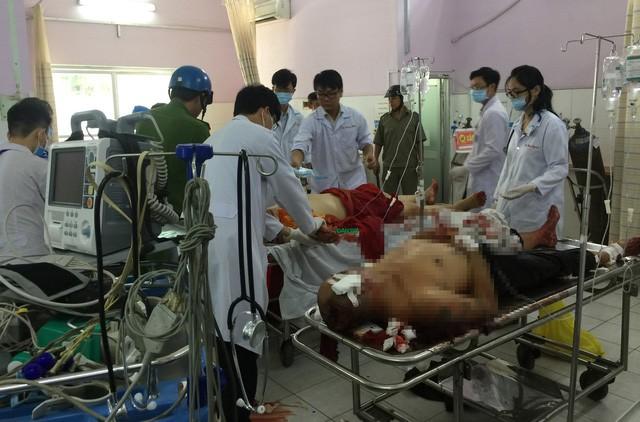 Các nạn nhân đang cấp cứu tại bệnh viện