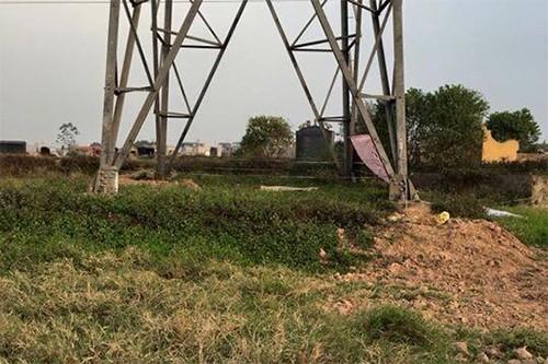 Chân cột điện nơi phát hiện thi thể anh Nguyễn Văn Ly