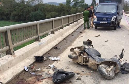 Hiện trường vụ tai nạn chiều 1/2 trên cầu Rộ